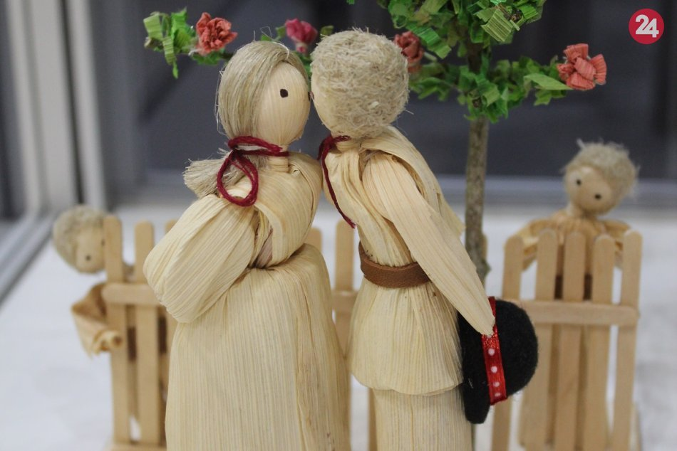 OBRAZOM: Nová výstava prezentuje majstrovstvo šúpolienkárky Sone Belokostolskej