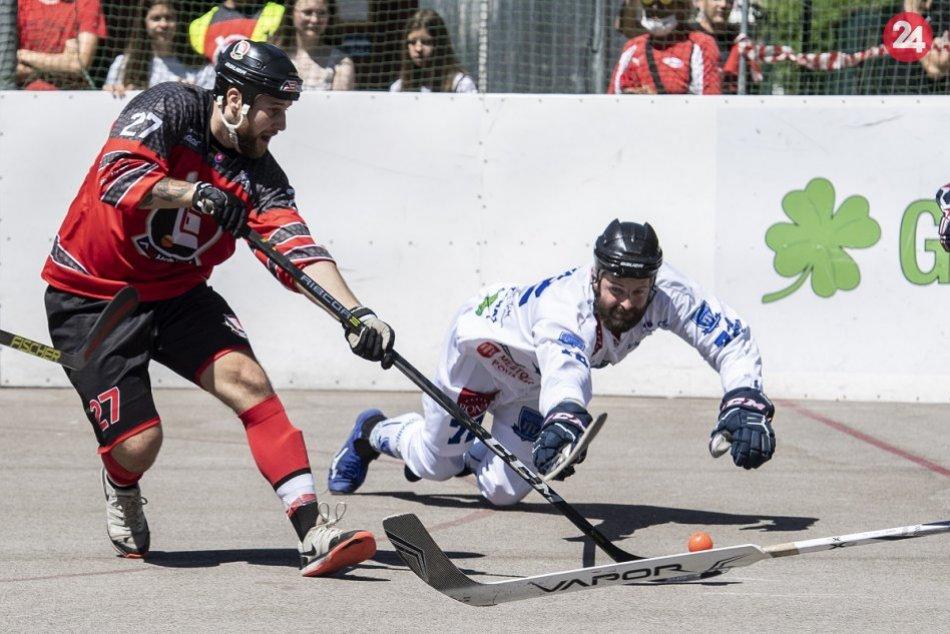 FOTO: Finále hokejbalovej SHbE mužov LG Bratislava - Považská Bystrica