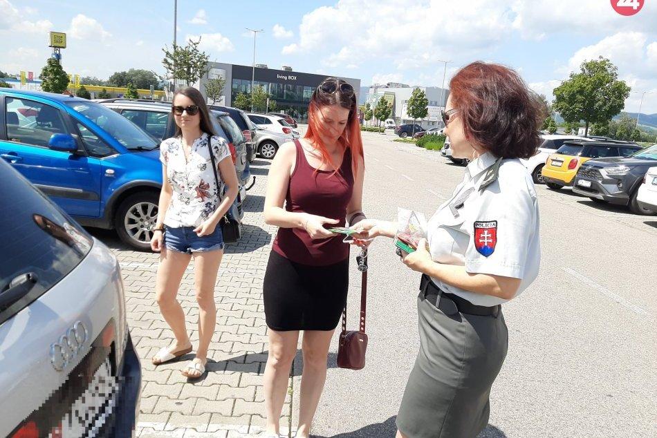 FOTO: Polícia v našom kraji sa zapojila do kampane Nezabudni na mňa v aute