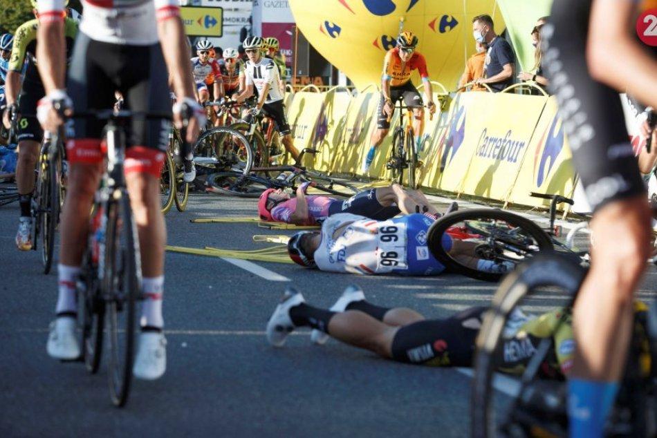 Holandský cyklista bojuje o život