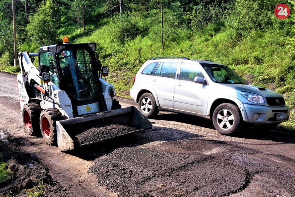 OBRAZOM: Oprava cesty v úseku Domaniža – Sádočné