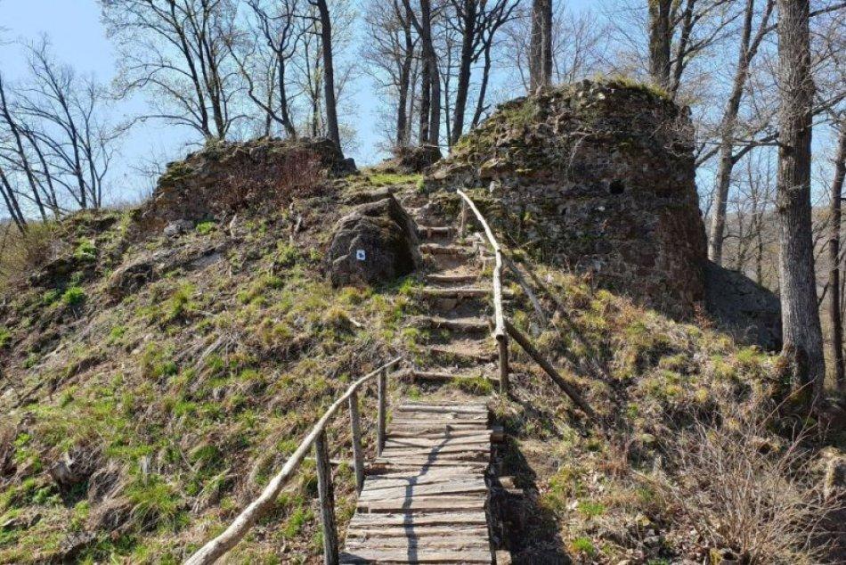 V OBRAZOCH: Starý jelšavský hrad