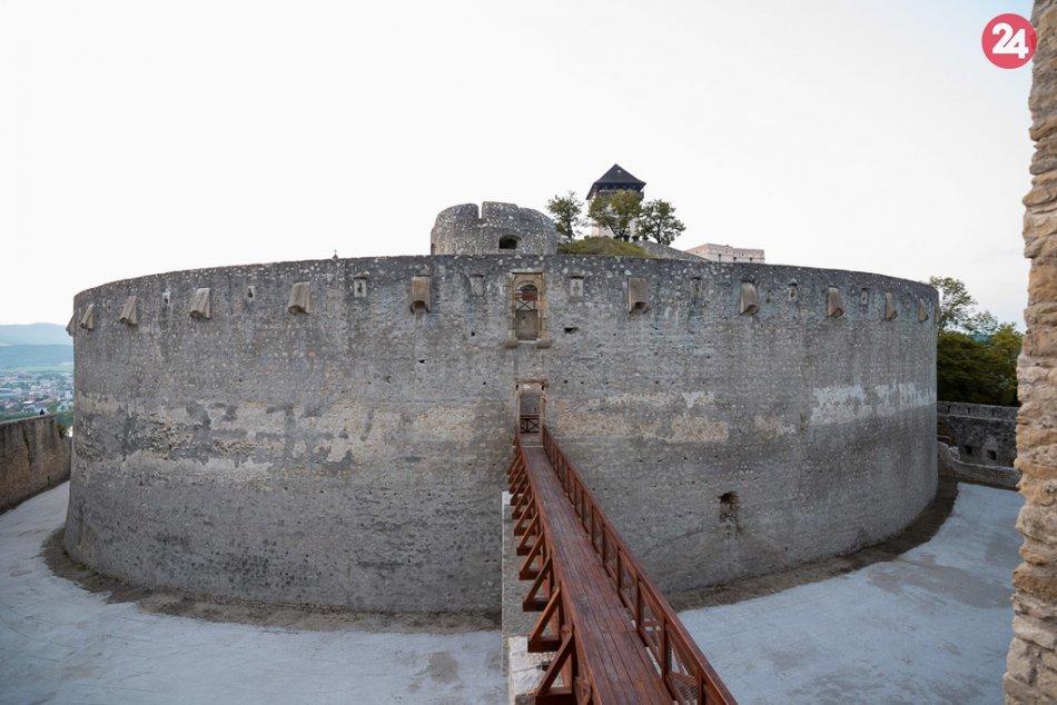 OBRAZOM: Južné opevnenie Trenčianskeho hradu po rekonštrukcii