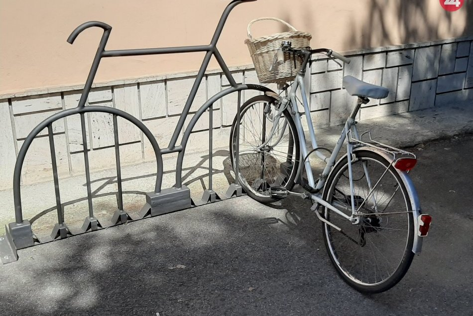 Obrazom: Atypické cyklostojany sú v Kapušanoch pri Prešove novinkou