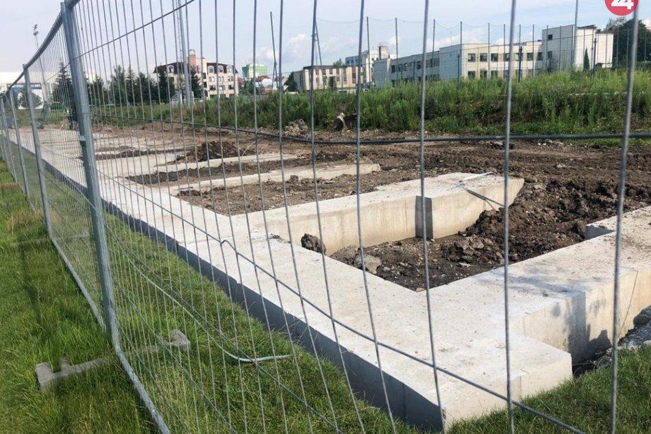 Rekonštrukčné práce na futbalovom štadióne sú v plnom prúde