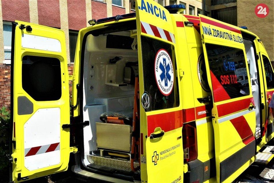 OBRAZOM: Takto vyzerá nová sanitka považskobystrickej nemocnice