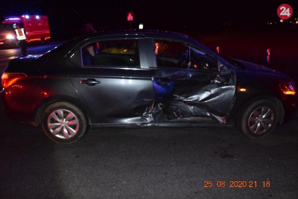 V OBRAZOCH: Pri zrážke s autom sa vážne zranil mladý motorkár