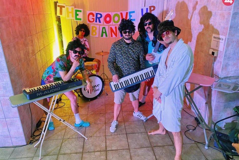 V OBRAZOCH: Bystričania natočili bláznivý klip k skladbe Groove Up