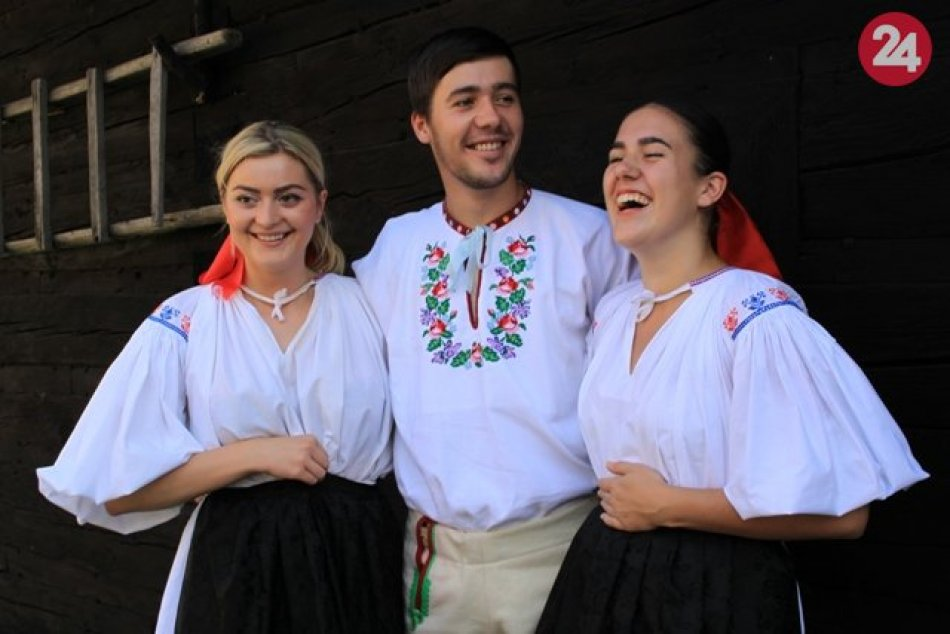 OBRAZOM: Folklórne podujatie Píšťalkárske Brvnište