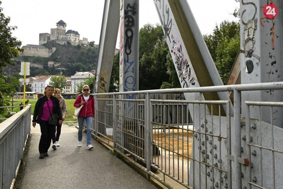 OBRAZOM: Starý železničný most v Trenčíne prejde rekonštrukciou
