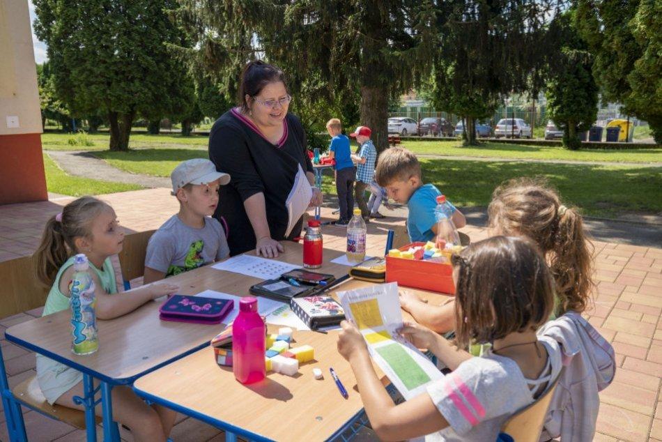 V OBRAZOCH: Ľubica Bezeková z Pliešoviec v TOP 10 Učiteľ Slovenska 2020