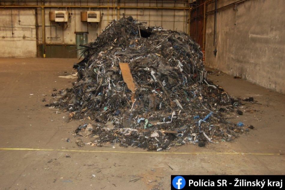 FOTO: Polícia v Martine odhalila nelegálnu skládku