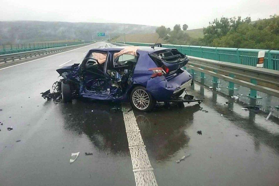 V OBRAZOCH: Dopravná nehoda na severnej D1 ‼️