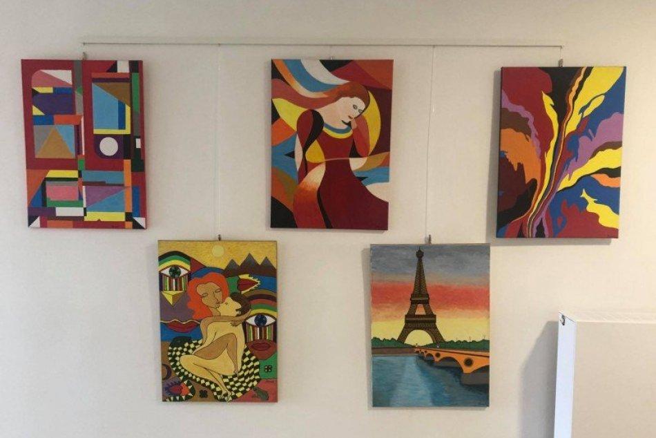 Nové obrazy v priestoroch mestského úradu
