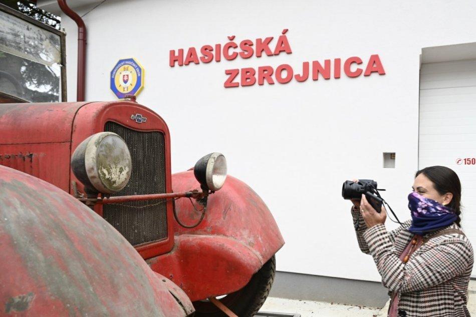 FOTO: Do Milochova sa vrátilo po 40 rokoch hasičské auto, známe z klipu Kaskadér