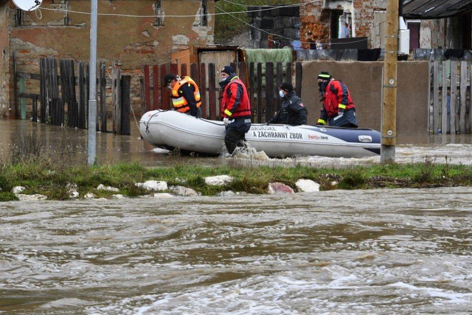 Slovensko ohrozujú povodne z vytrvalých dažďov