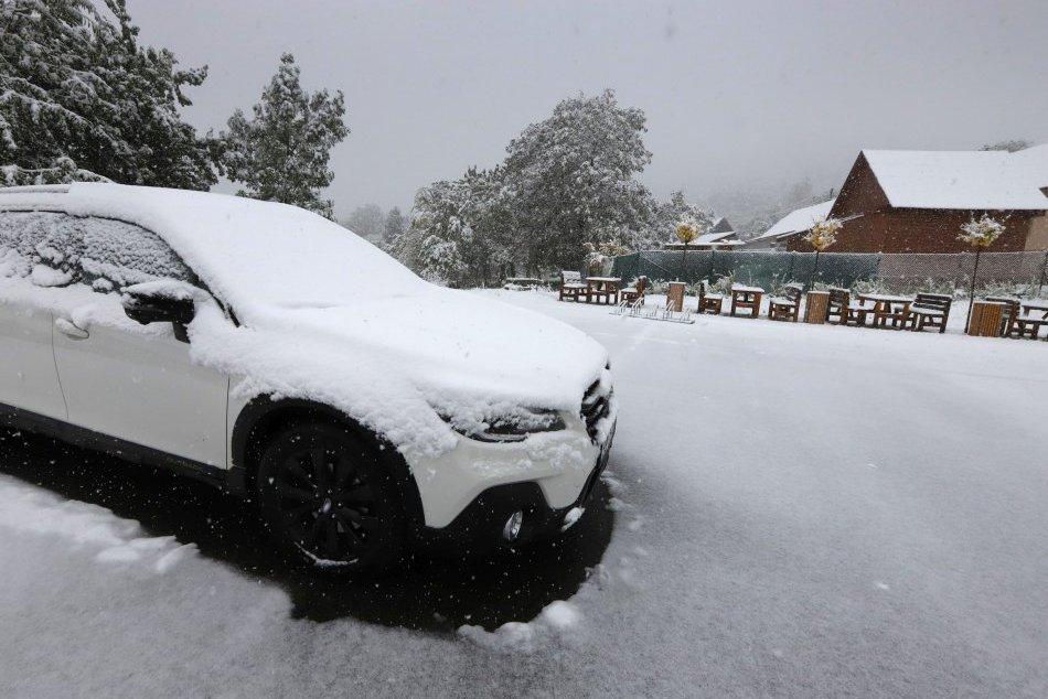 V OBRAZOCH: Prvý sneh v Bystrickom okrese