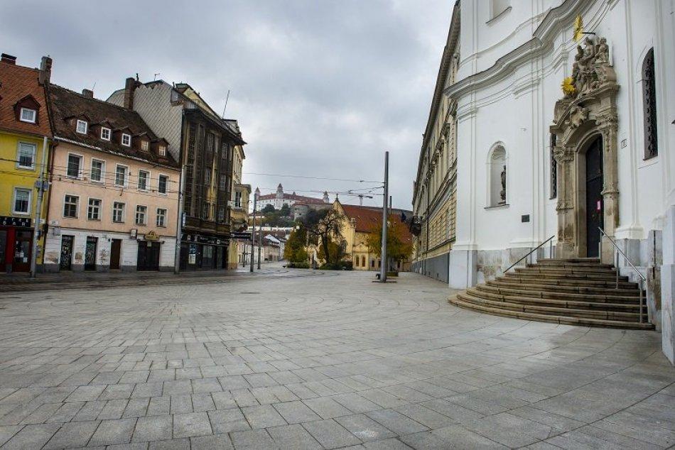 Zákaz vychádzania na Slovensku
