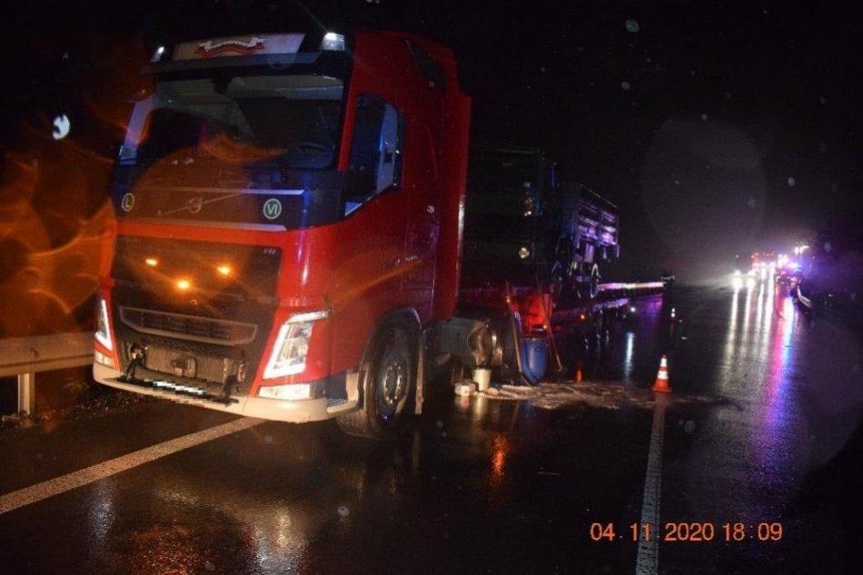 V OBRAZOCH: Auto šoféroval opitý a bez vodičáku, zrazil sa s nákladiakom