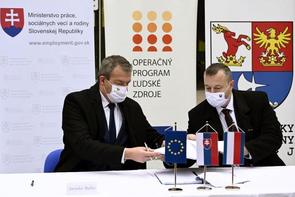 OBRAZOM: Štát podporí zamestnanosť na hornej Nitre sumou 12 miliónov eur