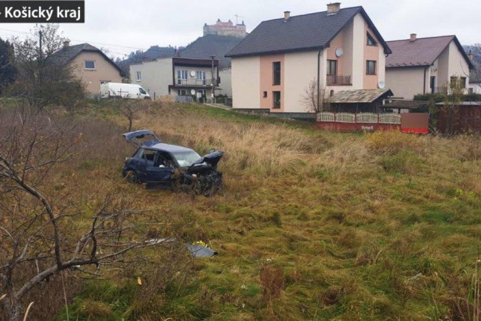 OBRAZOM: Dopravná nehoda v Krásnohorskom Podhradí