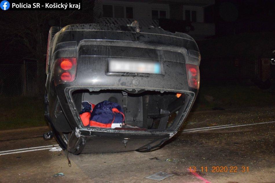 Vodič (42) prevrátil auto a ešte aj nafúkal