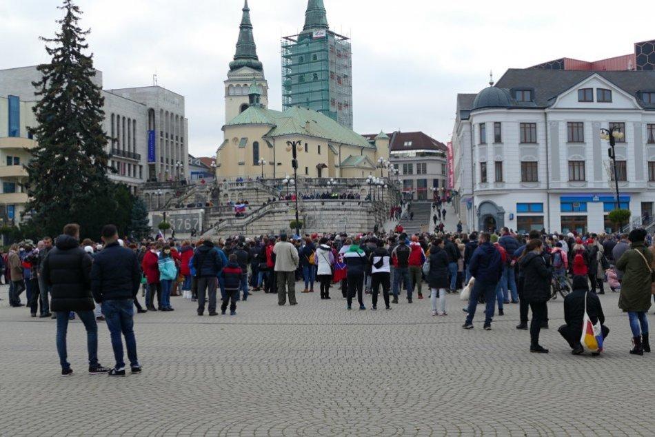 OBRAZOM: Protivládny protest v Žiline