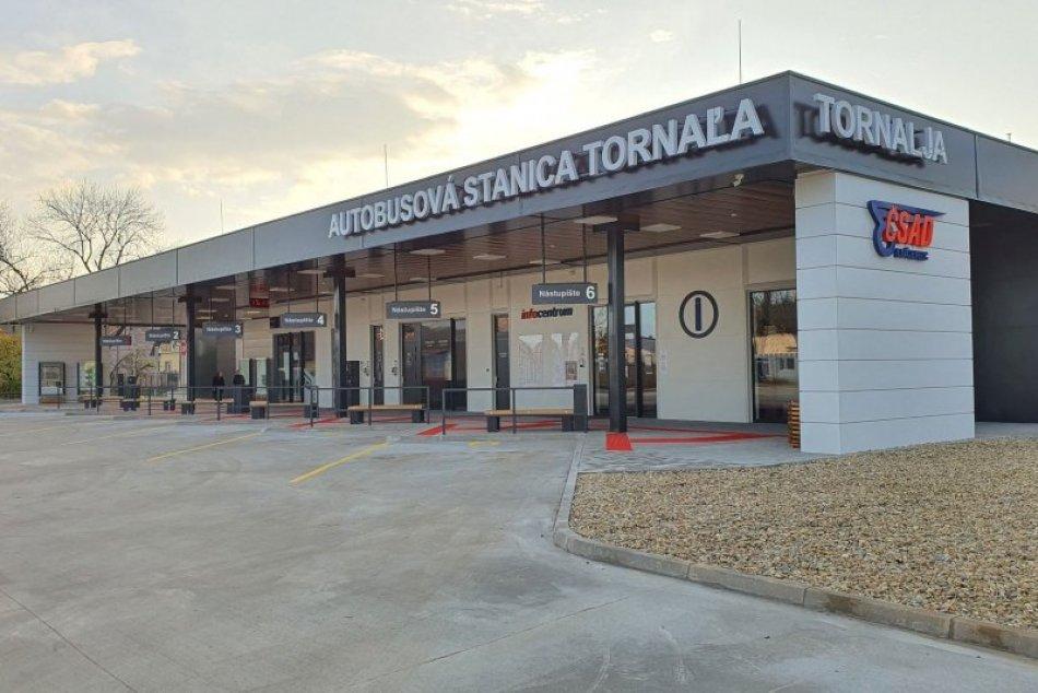 V OBRAZOCH: Tornaľa má novú autobusovú stanicu