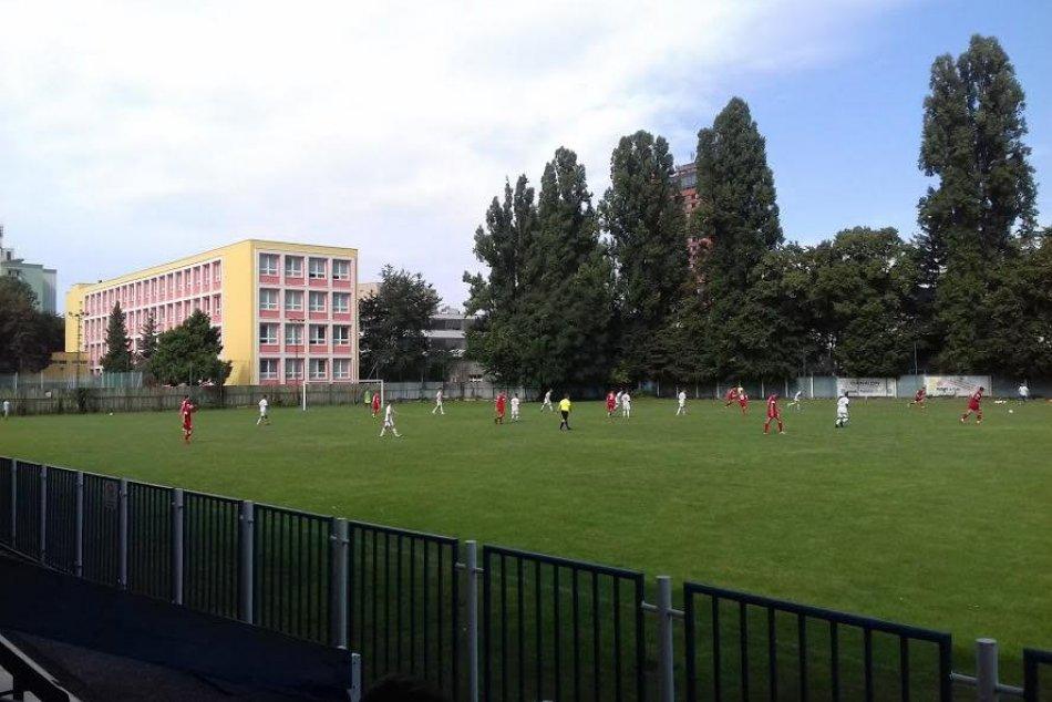 Futbalové ihrisko v Ružinove