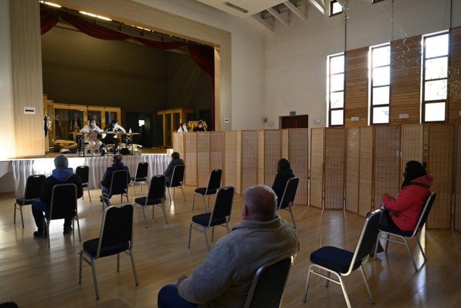 OBRAZOM: Dobrovoľné testovanie v obci Dohňany