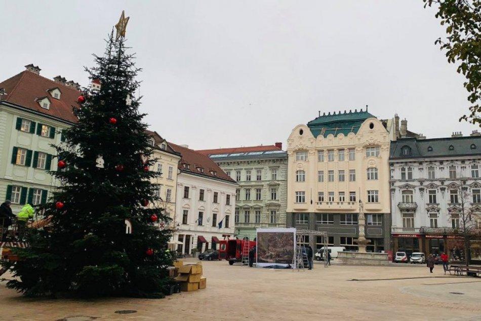 Stromček na Hlavnom námestí