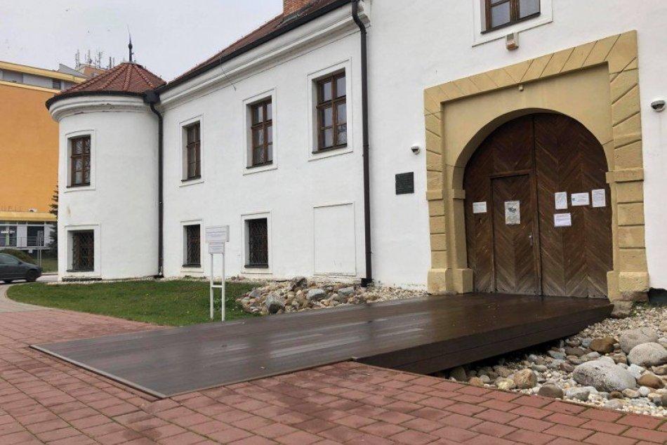 Mesto Šaľa vynovilo vstup do kaštieľa