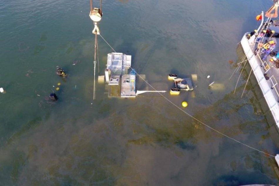 Odstraňovanie ekologickej nehody na Dunaji