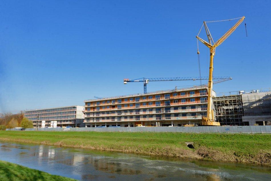Výstavba Living parku pri rieke pokračuje: Pandémia práce nezastavila, FOTO