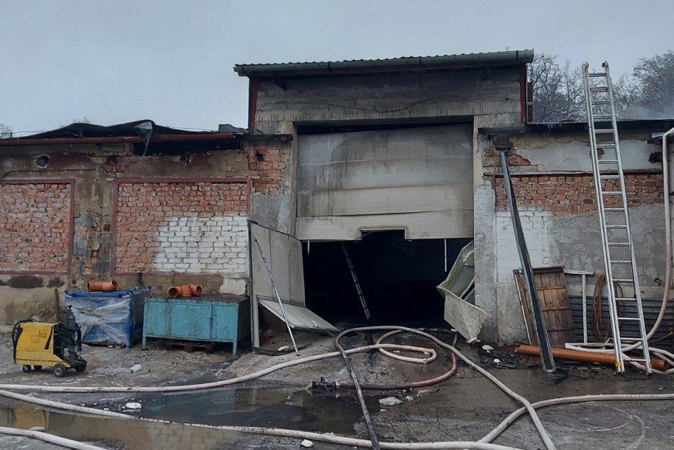 Požiar zachvátil výrobnú halu v Levoči