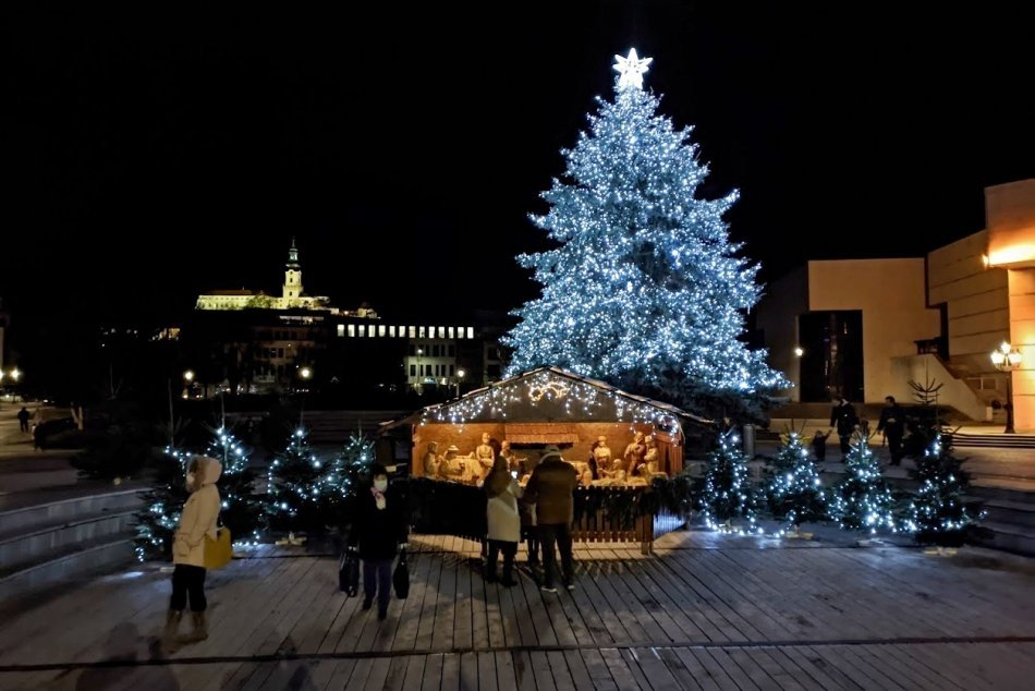 Vianočný stromček na námestí v Nitre