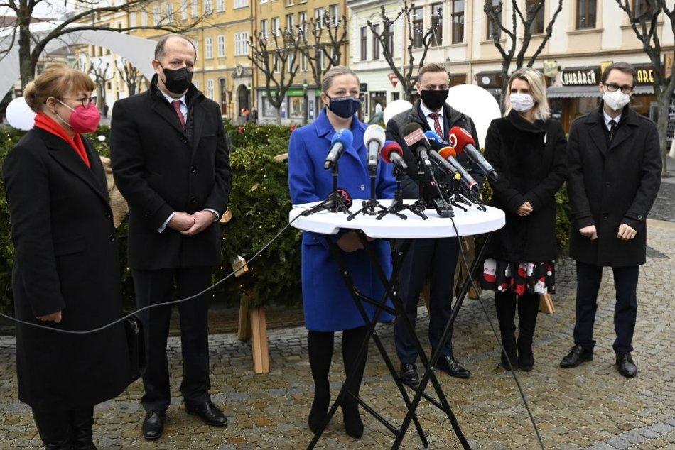 OBRAZOM: Tlačový brífing, na ktorom oznámili mimoriadne opatrenia pre Trenčín