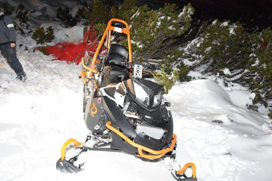 V OBRAZOCH: Snežný skúter na Chopku vážne zranil skialpinistu