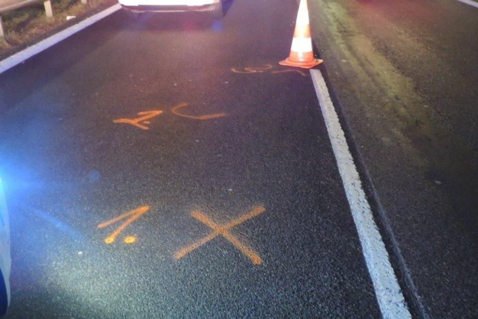 V OBRAZOCH: Nešťastie na R1, chodca zrazilo auto