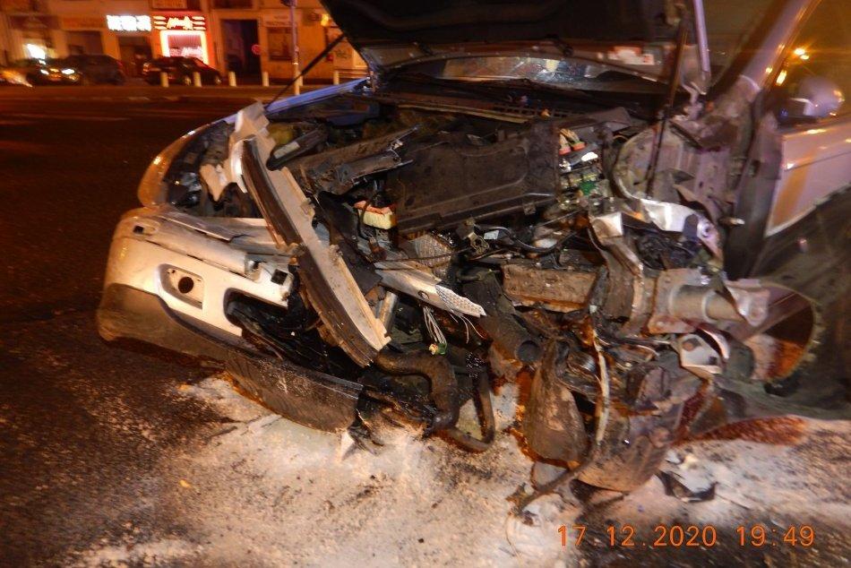 V OBRAZOCH: Vo Zvolene došlo k 2 nehodám v priebehu 2 hodín