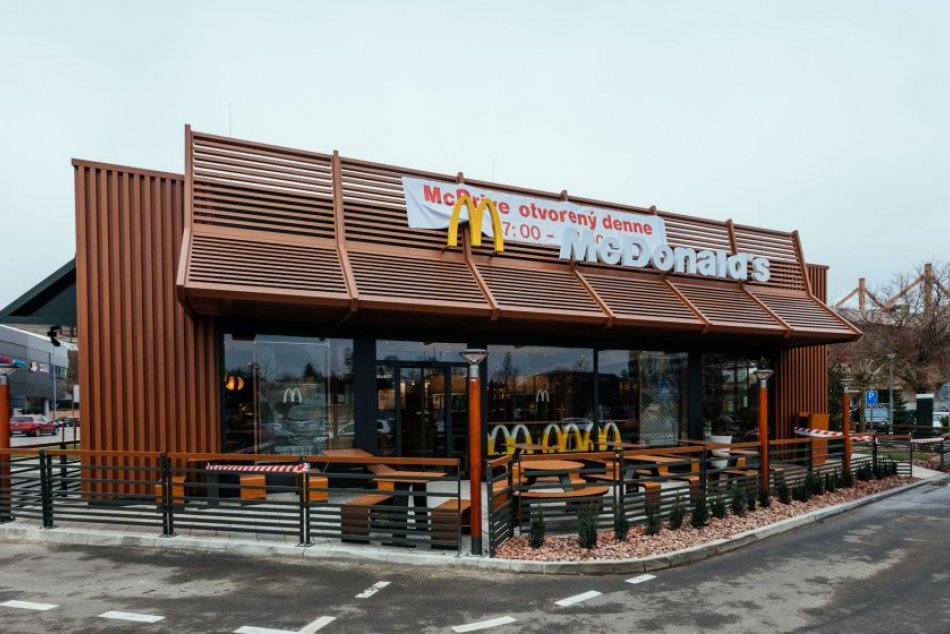 McDonald's v Trnave: Pozrite na vynovený interiér!