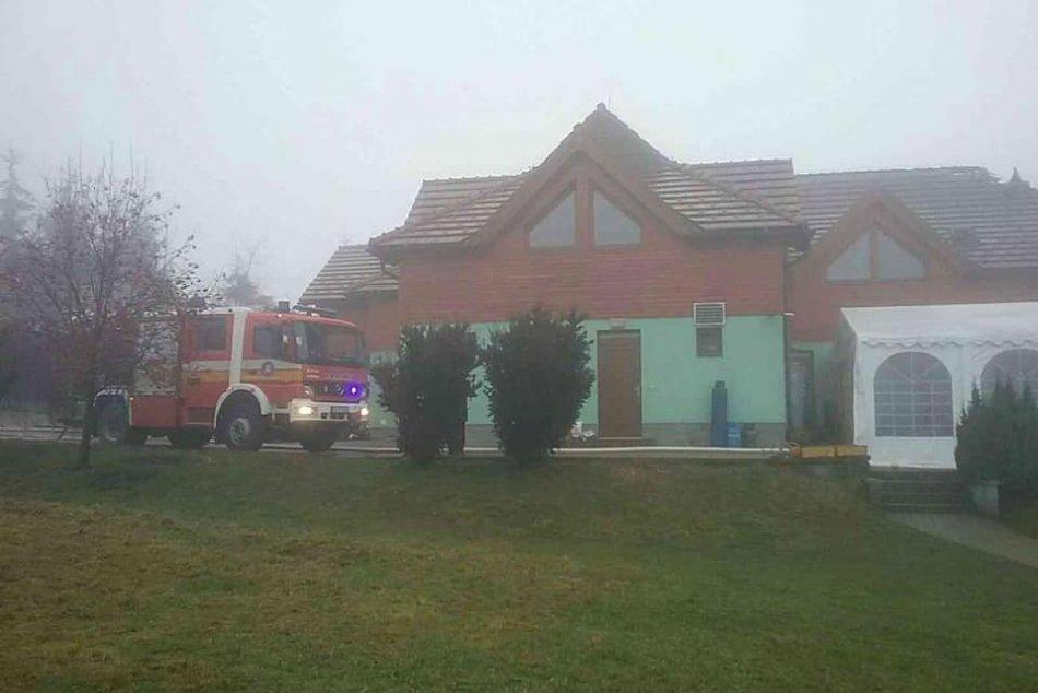 V OBRAZOCH: Tragický požiar penziónu v obci Králiky