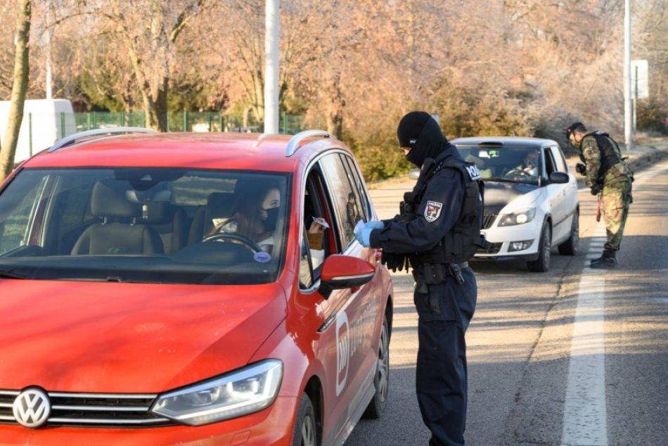 Policajné kontroly v uliciach Nitry