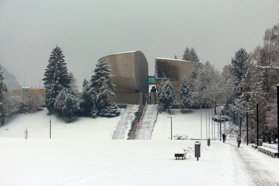 V OBRAZOCH: Do Bystrice prišla zima ako sa patrí
