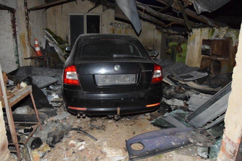 V OBRAZOCH: Policajti našli vo Zvolenskej Slatine ukradnuté auto