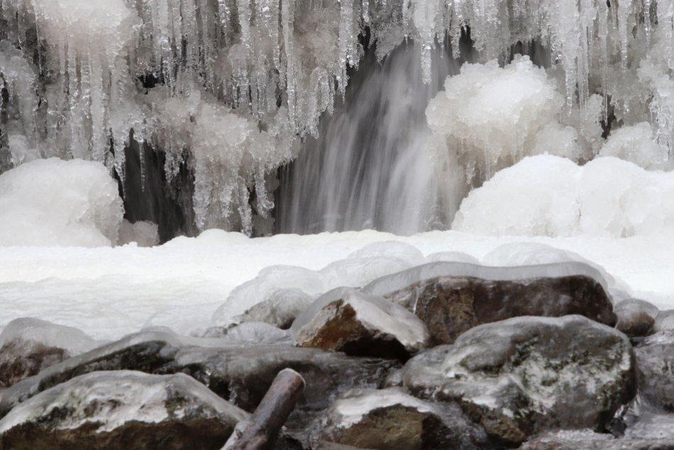 V OBRAZOCH: Turovský vodopád očarí aj v zime