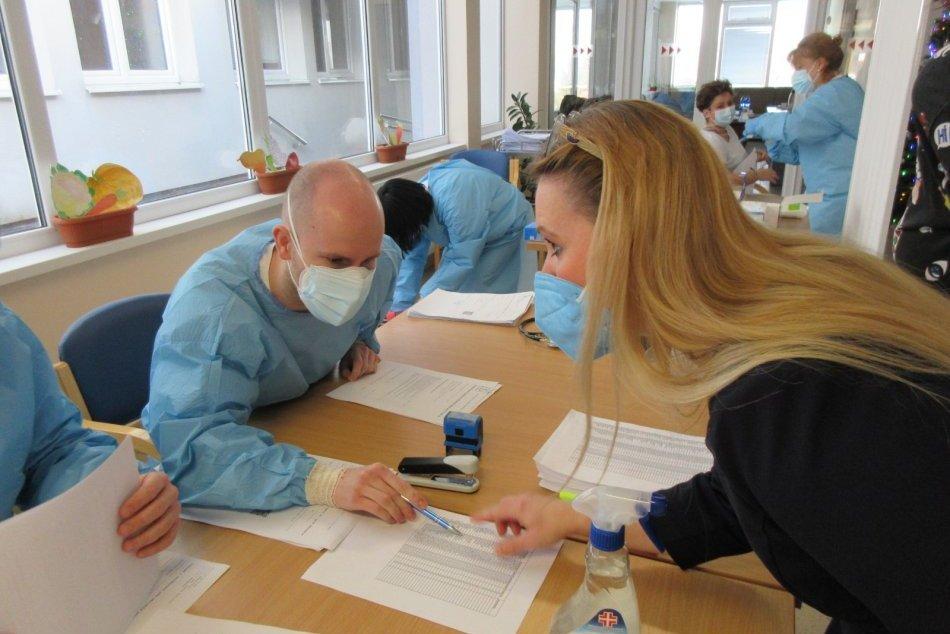 Očkovanie v zariadení pre seniorov v Nitre