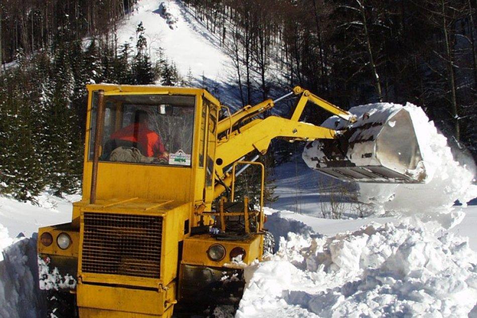 V OBRAZOCH: Snehová kalamita pred 21 rokmi uväznila žiakov aj pedagógov