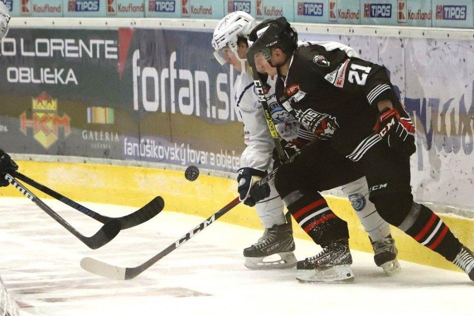 V OBRAZOCH: Bystrickí hokejisti na domácom ľade rozstrieľali Nitranov