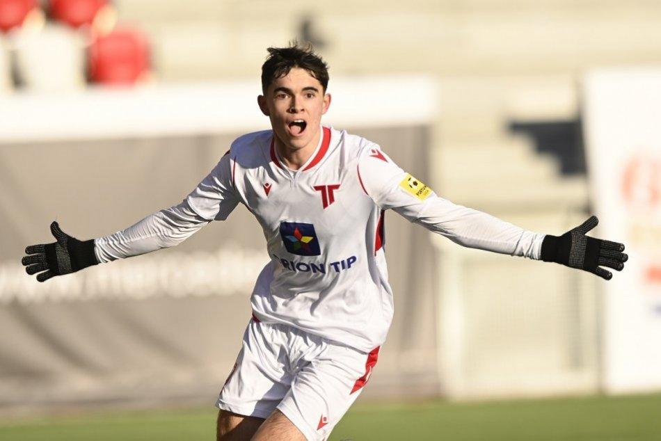 FOTO zo súťažnej premiéry na novom štadióne AS Trenčín, prvý gól Demitru